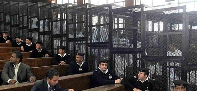 """Mısır'da 5 Bin Mahkûm """"Yavaş Ölüm"""" Tehlikesi Altında"""