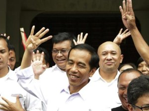 Endonezya Seçimlerinde İslami Partiler Güçlenerek Çıktı!