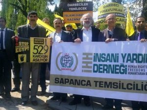 Sapanca'da İdam Kararları Protesto Edildi