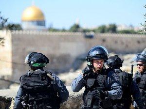 İsrail 9 Filistinliyi Daha Gözaltına Aldı