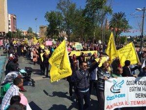 Antalya'da Cuntanın İdam Kararlarına Protesto