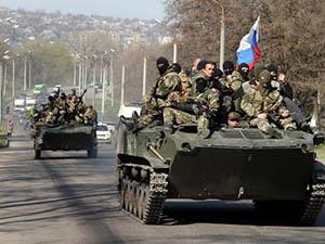 Rus Bayrağı Taşıyan Tanklar Slavyansk'a Girdi