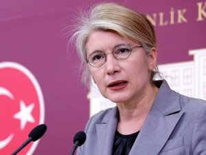 Emine Ülker Tarhan CHP'den İstifa Etti