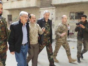 Muhaliflerin Savunma Bakanı Halep'te