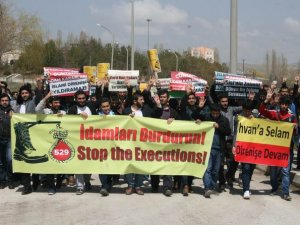 Van'lı Öğrencilerden İdam Kararlarına Protesto