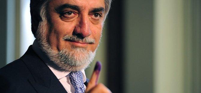 Afganistan'daki Seçimde Abdullah Abdullah Önde Gidiyor