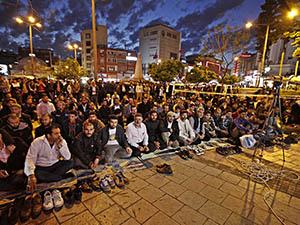 Adana'da Mısır'ın 529 İdam Kararı Tel'in Edildi
