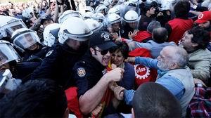 Gezi Parkı'ndaki DİSK Üyelerine Müdahale