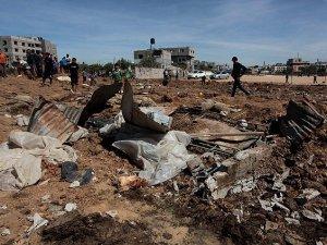 Siyonist İsrail'den Gazze'ye Hava Saldırısı