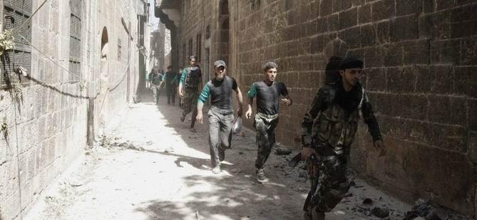 Muhalifler Halep'te Saldırıyor