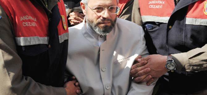 Metin Kaplan'a Arefe Günü Zulüm!