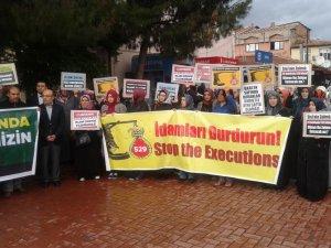 Akhisar'da Cuntanın İdam Kararları Protesto Edildi