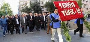 Türk-İş ve Hak-İş'in Anma Heyeti Taksim'de