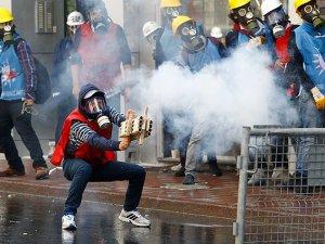 Polisle Çatışmaya Giren 142 Kişiye Gözaltı