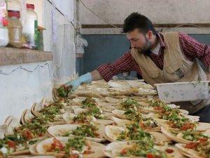 İHH ve Özgür-Der Halep'te Yemekhane Açtı