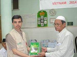 Sadakataşı'ndan Vietnamca Kuran Meali