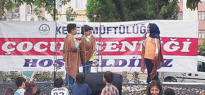 Antalya'da Çocuklardan Özgürlük Konulu Tiyatro