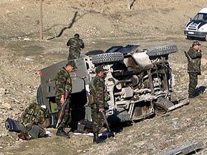 Hakkari'de Askeri Araç Takla Attı: 3 Ölü