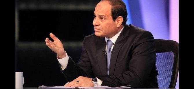 Sisi: 'Yolsuzluğu Önce Bize Fısıldayın'