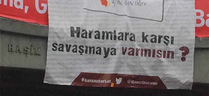 Cinsel İçerikli Reklamlara Afişli Tepki!