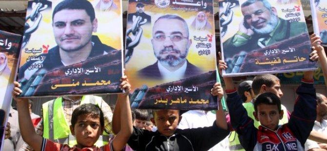 Gazze'de Açlık Grevindeki Esirlere Destek Gösterisi