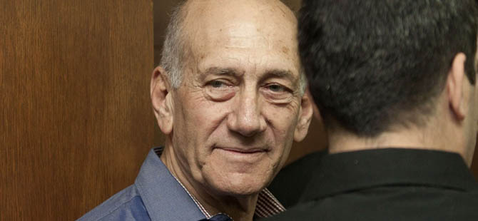 İsrail'in Eski Başbakanı Olmert Hapiste