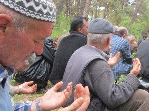 Akhisar Özgür-Der'den Taziye Ziyareti