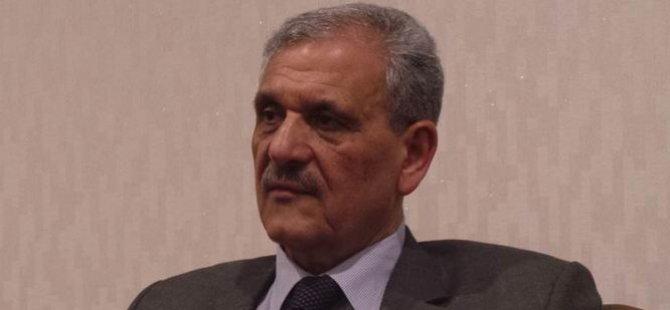 Esad Mustafa, Görevi Bıraktı