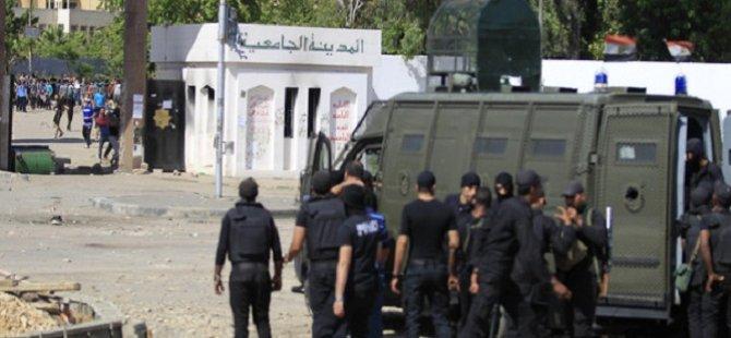 Mısır'da Polislere Silahlı Saldırı