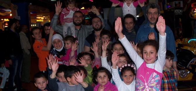 Suriyeli Çocuklar Oyun Parkında Eğlendi