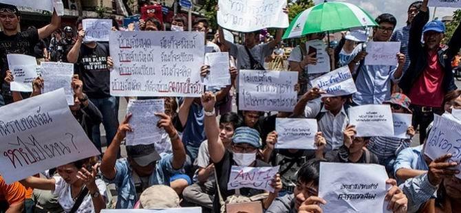 Tayland'da İlk Büyük Darbe Karşıtı Gösteri Düzenlendi