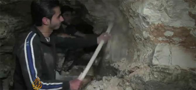 Suriyeli Mücahitler Tünel Kazarak Rejime Darbe İndiriyorlar!