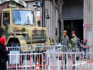 Tunus'ta İçişleri Bakanı'na Saldırı