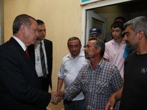 Erdoğan Madenci Aileleriyle Görüştü