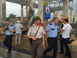 İstasyon İnşaatı Çöktü: 5 Yaralı
