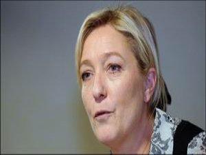 Fransa: Ulusal Cephe Karşıtı Öğrenciler Sokaklara Aktı