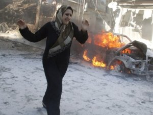Esed Rejimi Halep'te Varil Bombasıyla 17 Kardeşimizi Katletti