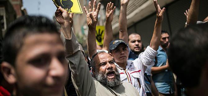 Mısır'da Darbe Karşıtı Gösterilerde Kan Aktı