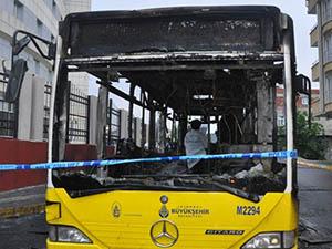 Belediye Otobüsü ve İtfaiye Aracına Molotof