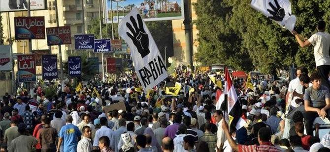 Sisi Karşıtı Cuma Gösterisi