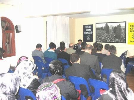 Özgür-Der Bursa Şubesi seminerleri başladı