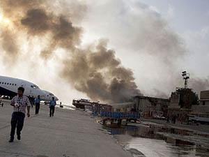 Taliban Yine Karaçi Havaalanını Bastı