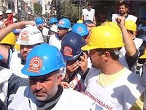 Yatağan İşçileri Ankara'da Türk-İş'i Bastı