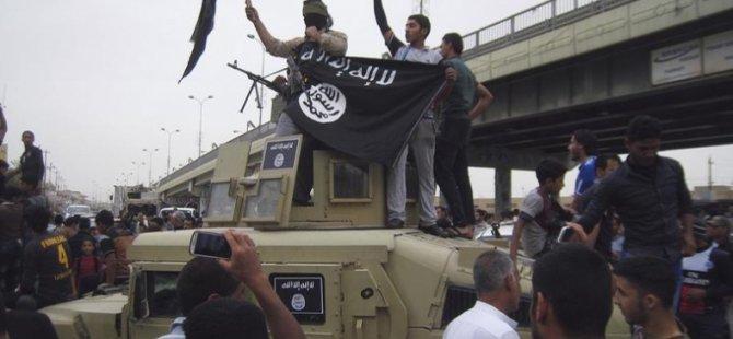 IŞİD, Konsolosluk Mensuplarını Yeni Valiye Bıraktı