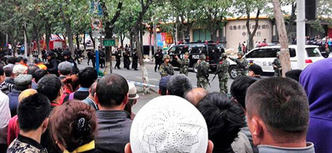 Çin Polisi, 13 Doğu Türkistanlıyı Öldürdü