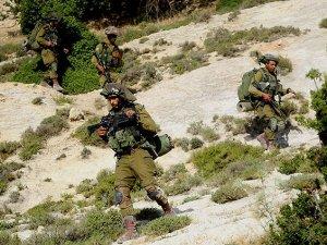 Siyonist İsrail Askerleri Filistinli Çocuğu Öldürdü