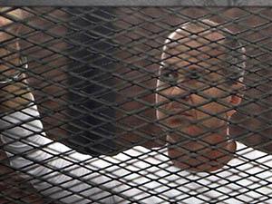 """Tutuklu El-Cezire Muhabiri: """"Bizi Bırakmayın!"""""""