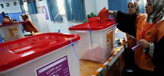 Libya'da Halk Sandık Başında