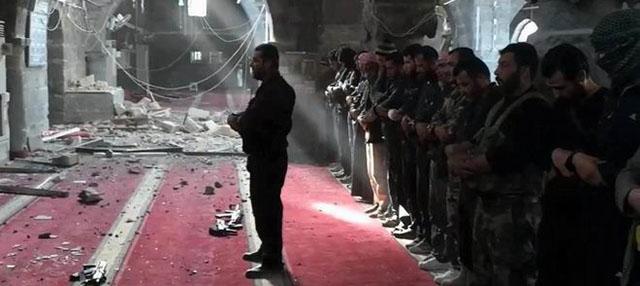 Suriye Sadece Ağlamıyor, Direniyor da!