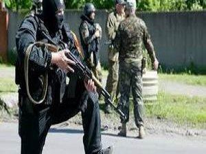 Ukrayna'da Ayrılıkçılar 300 Askeri Gözaltına Aldı
